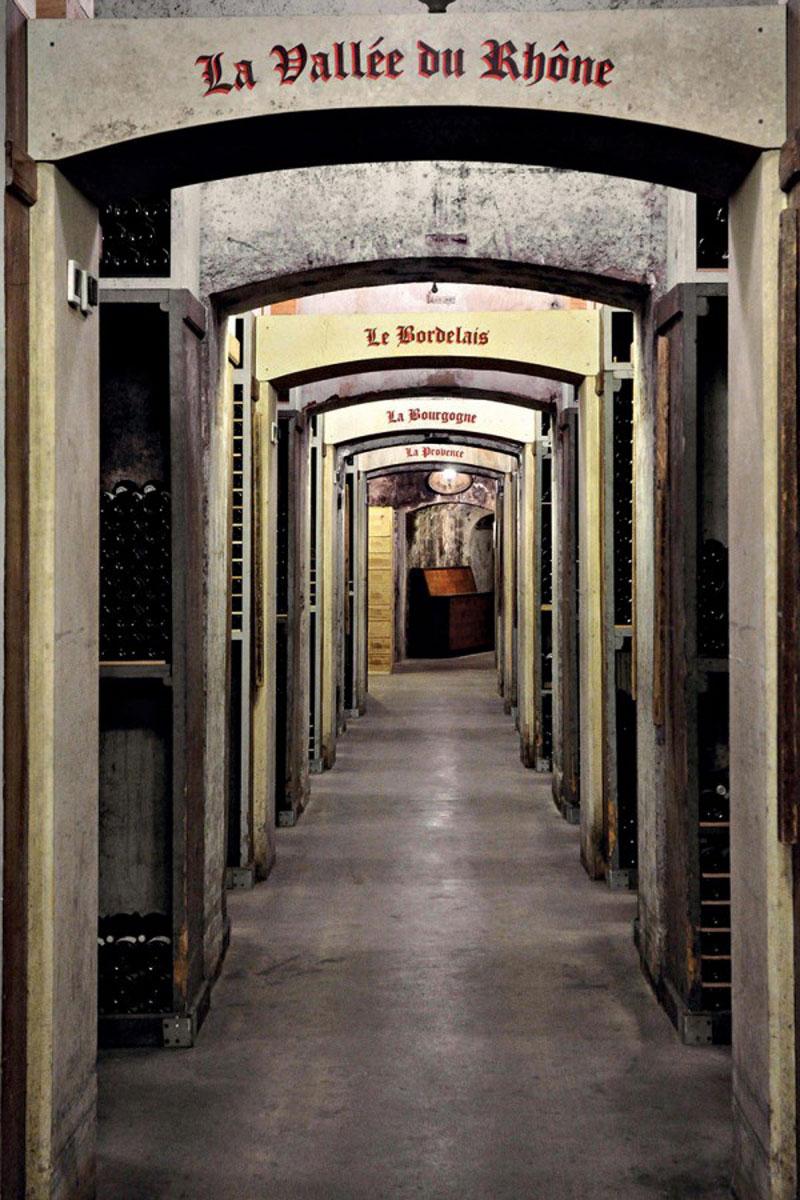 luxuo-id-monaco-for-srv-12 Tour pribadi ekslusif dalam gudang anggur terkenal di Hotel de Paris