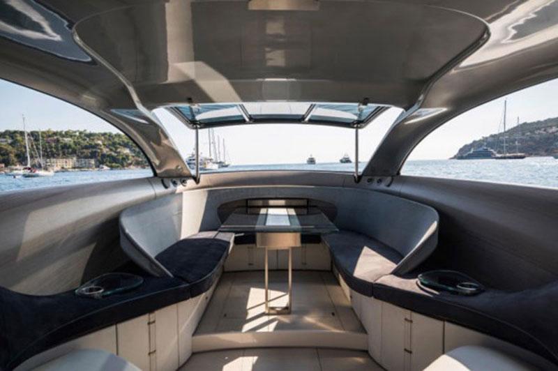 luxuo-id-mercedes-granturismo-yacht-interior