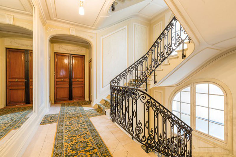 luxuo-id-wagram-staircase