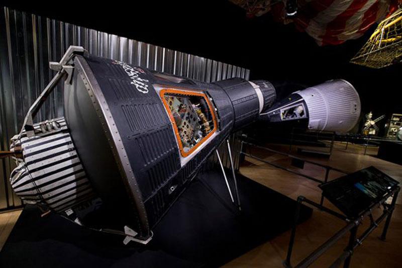 luxuo-id-gemini-spacecraft