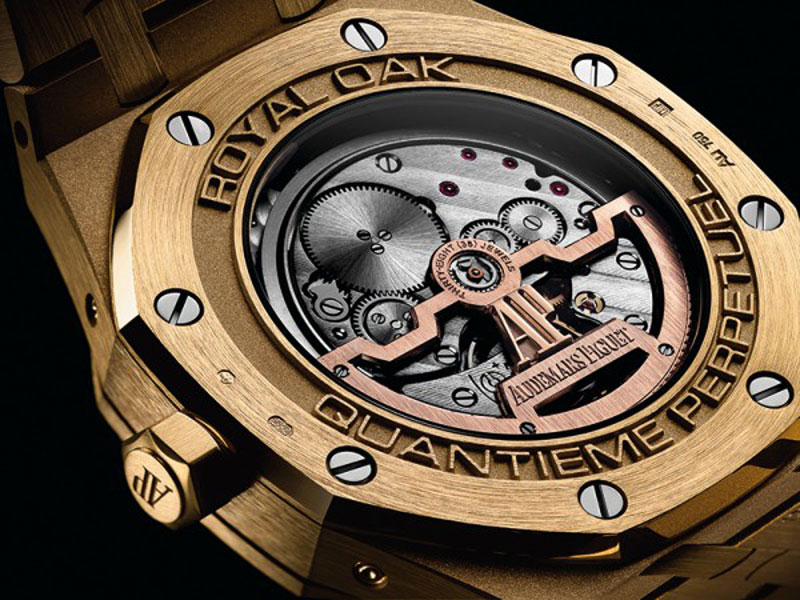 luxuo-idaudemar-piguet-royal-oak-caseback