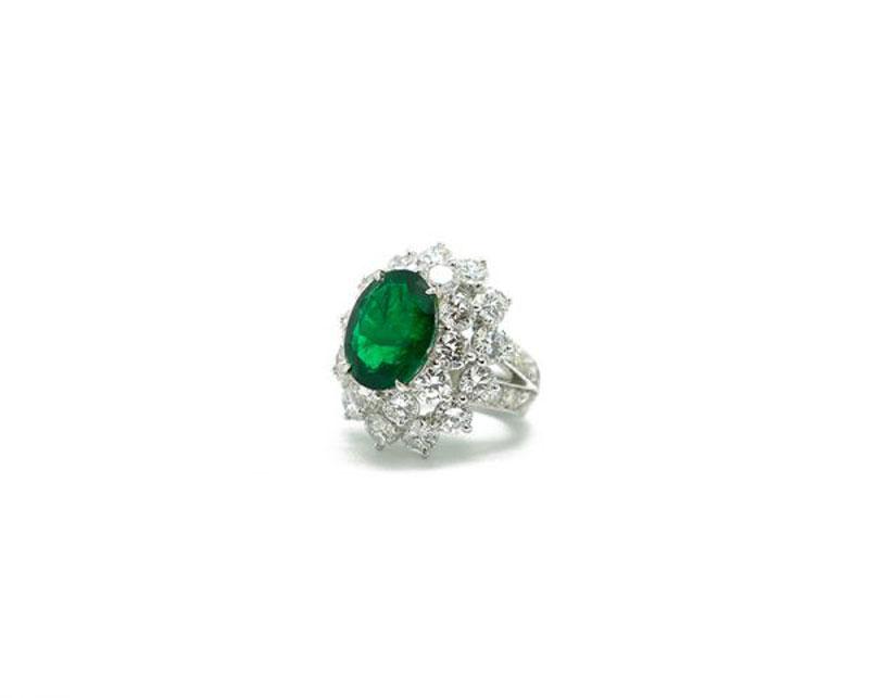 luxuo-id-emerald-diamond-ring-iroshini-chua