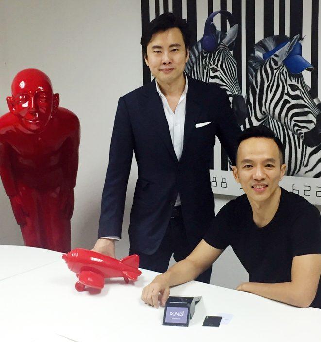 Julian Peh, co-founder Aditus, dan Zac Cheah (duduk), CEO Pundi X