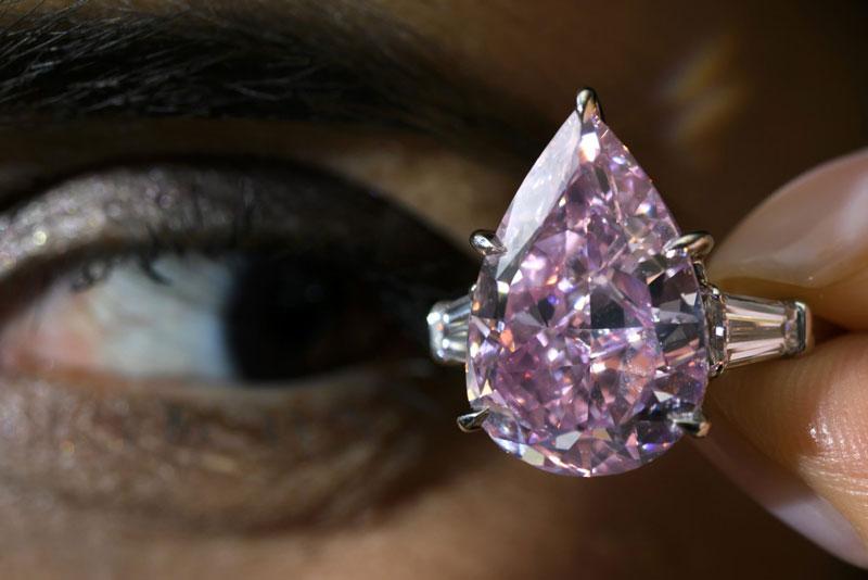 luxuo-id-bluediamond