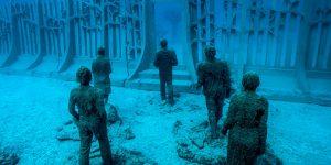 Kolektor Seni Francois Ollandini Kurasi Tiga Pameran Seni Bawah Laut